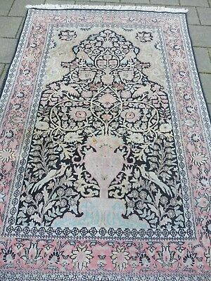 Beautiful,Old Oriental Rug ___ Cashmere Silk __ 182cm x 123cm __ Motif