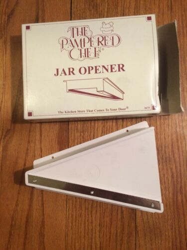 PAMPERED CHEF WHITE JAR OPENER #2675