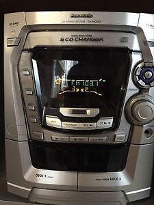 Panasonic digital CD player system/ radio with two speakers