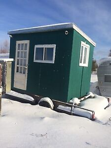 7 x 10 icehut with or without trailer