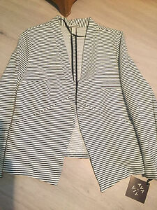 Women's Blazer. New. 1x.