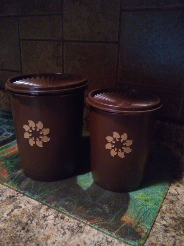 Tupperware Canisters: Set Of 2 With Lids: Brown: Vintage