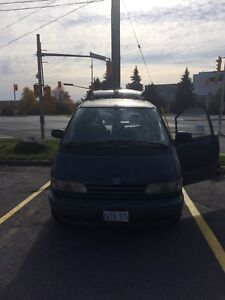 1994 Toyota previa for parts or scrap car
