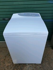7.5KG FISHER AND PAYKEL WASHING MACHINE