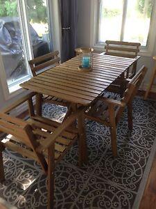 Ensemble patio, 1 table et 4 chaises en bois Ikea