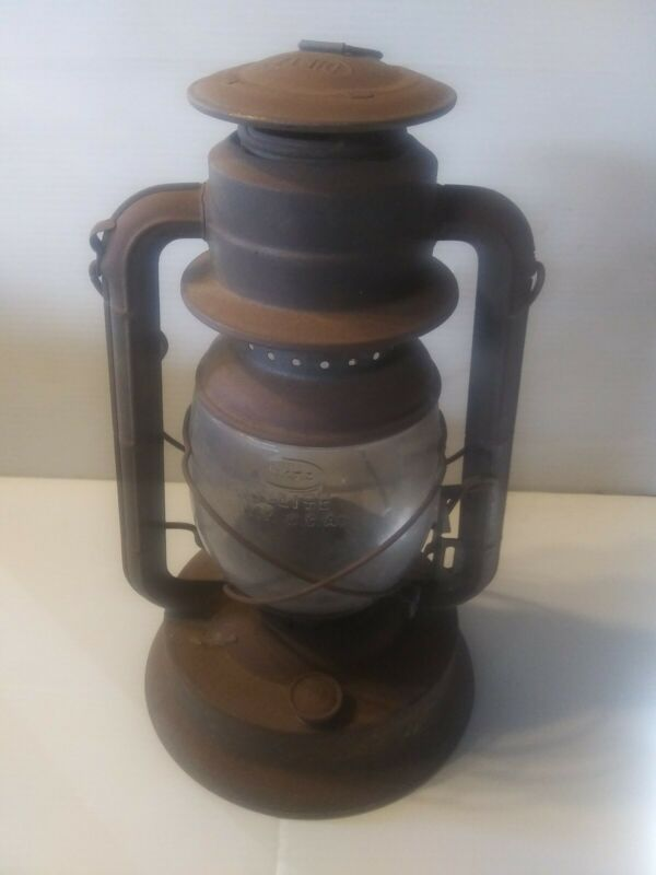 Vintage Dietz Lantern No. 2 D-Lite USA Made NY Oil Lantern