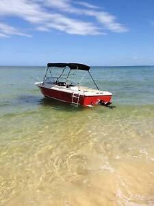 HAINES HUNTER V17R STERN DRIVE Wynnum Brisbane South East Preview