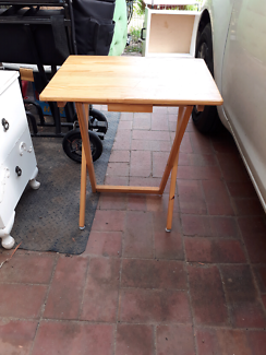 Stable table/ bed side table