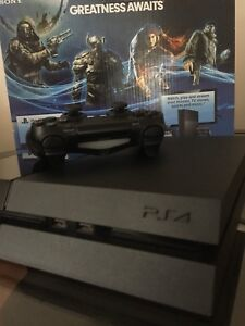 USED PS4 500GB W/ CONTROLLER