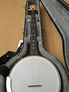 5 String Banjo. Mint Condition. Moving Sale.