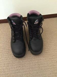 Steel capped boots (as new condition) Cottesloe Cottesloe Area Preview