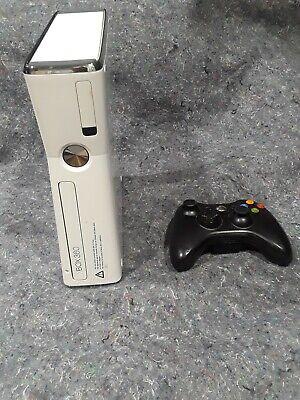 Microsoft Xbox 360 Pro Launch Edition 60GB White Console (B4J-00178)