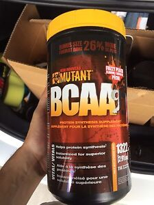 GYM SUPPLEMENTS MUTANT MASS AND RIVALUS