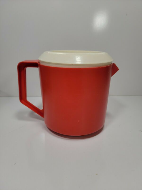 Retro Rubbermaid Pitcher 1.5 quart Red Rare