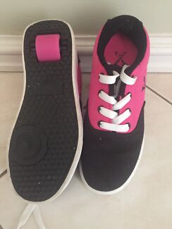 Girls Size 4 Roller Skating Shoes - Like New