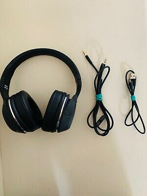 Skullcandy Hesh 2 Bluetooth Headphones/ Incudes charger, carrying bag,aux cord