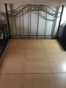 Beautiful Wrought Iron Queen-size Bed Frame