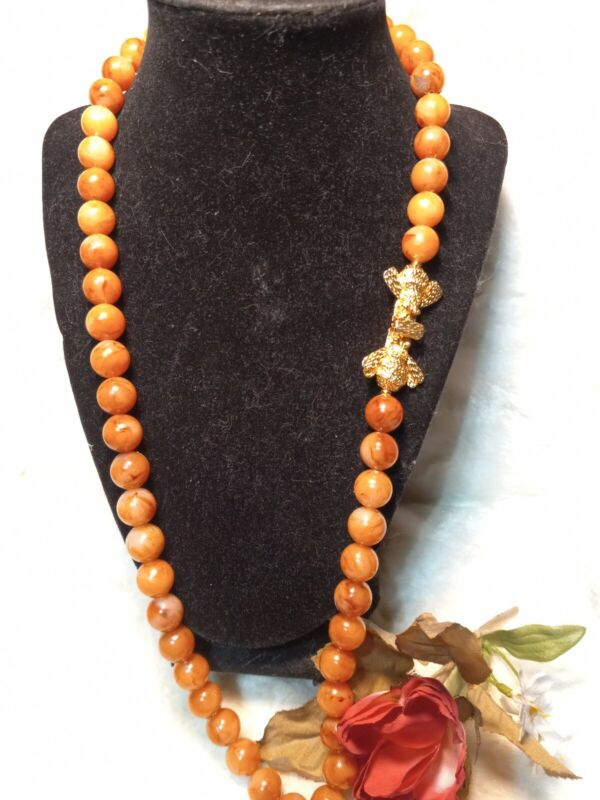 """Vintage  MiMi Di N Marbled Carnelian Lucite Gold Honey Bee Clasp 28"""" Necklace"""