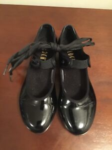 Kids tap shoes size 4 - Bloch brand - great cond.