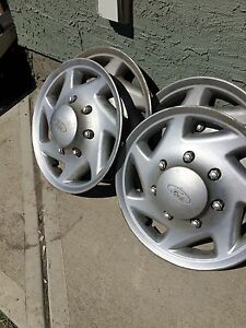 ✅✅✅Ford 3/4 ton hubcaps✅✅✅