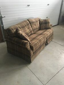 Loveseat with pull out bed  London Ontario image 2