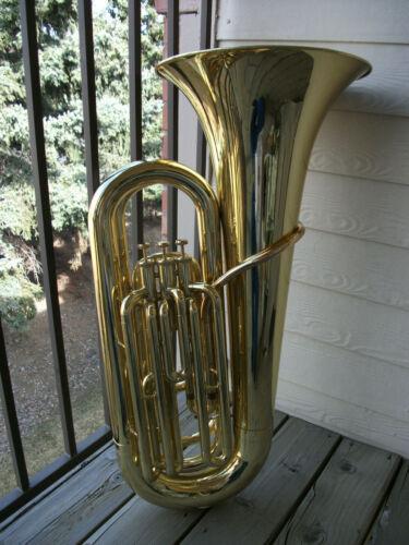 3/4 BBb Tuba: Vincent Bach 1107 (Yamaha YBB-105 stencil). NICE condition.