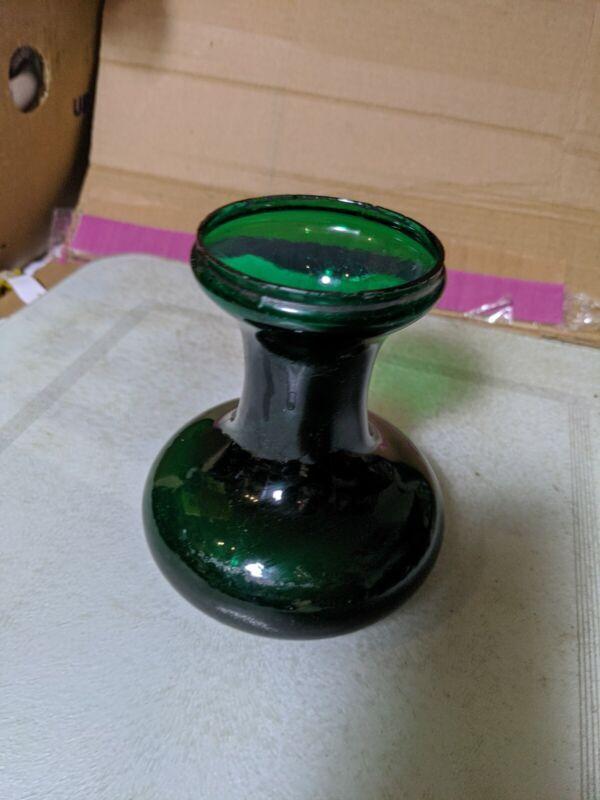 Retro Emerald Green Glass Vase b485 nibbles