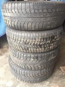 Four tires good tread 225/60r16 $100 text 902 223 2108