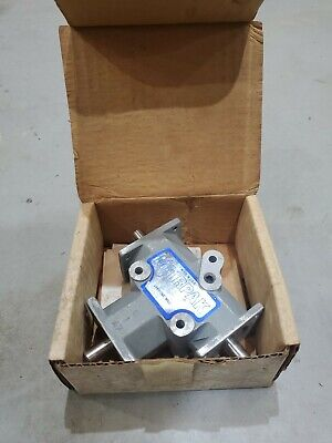 Lampin - Mitrpak C-061 Right Angle Gearbox 135638