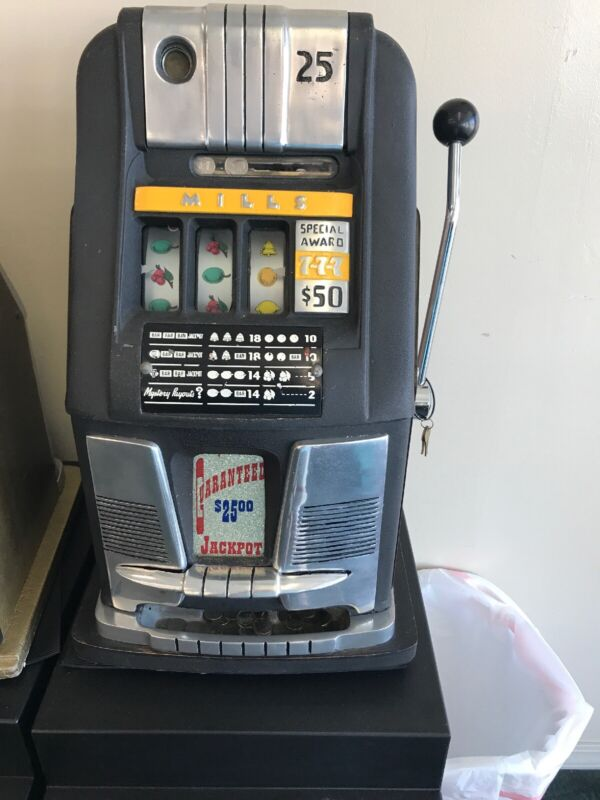 Vintage Mills $0.25 Hightop Slot Machine Recently Serviced