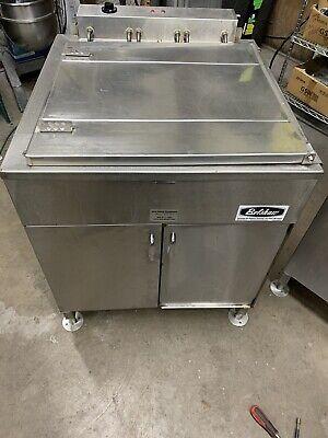 Belshaw 624 Donut Fryer 3 Dozen 1ph Electric. Works. Tested With Warranty
