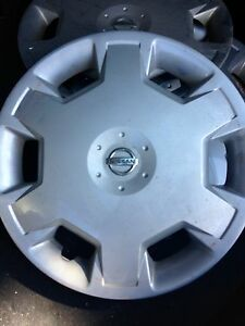 2008 Nissan Versa Wheel covers/ Hubcaps