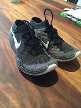 Brand new ** women's Nike 3.0 flyknit black and white sports shoes Manly Manly Area Preview