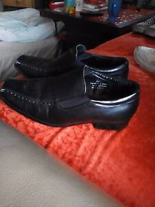 Shoes - boys black dress shoes South Windsor Hawkesbury Area Preview
