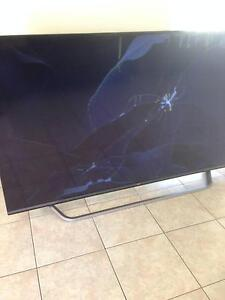 "LG 70"" 4K ULTRA HD webOS 2.0 SMART TV - CRACKED SCREEN - FAULTY Calamvale Brisbane South West Preview"