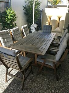 Outdoor table and 8 chairs with cushions
