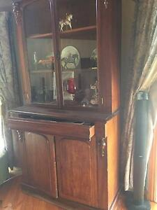 Free standing wall unit Willow Grove Baw Baw Area Preview