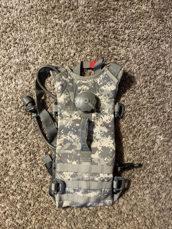 U.S. Army issued ACU camelbak hydration pack g.i. military 4