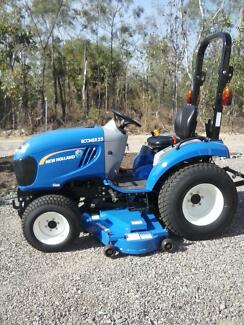 New Holland Boomer 25 Tractor with 60 inch cutting deck. Tumbling Waters Litchfield Area Preview