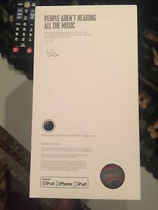 Beats solo wireless limited edition West Island Greater Montréal image 2
