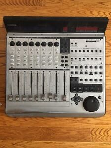Mackie Control Universal Pro USB Fader controller