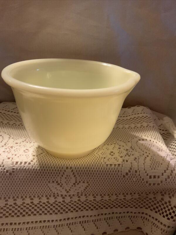 Vintage Hamilton Beach Vaseline Small Mixing Bowl With Spout
