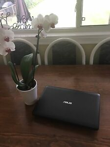 LAPTOP MINT CONDITION ASUS X554L SERIES