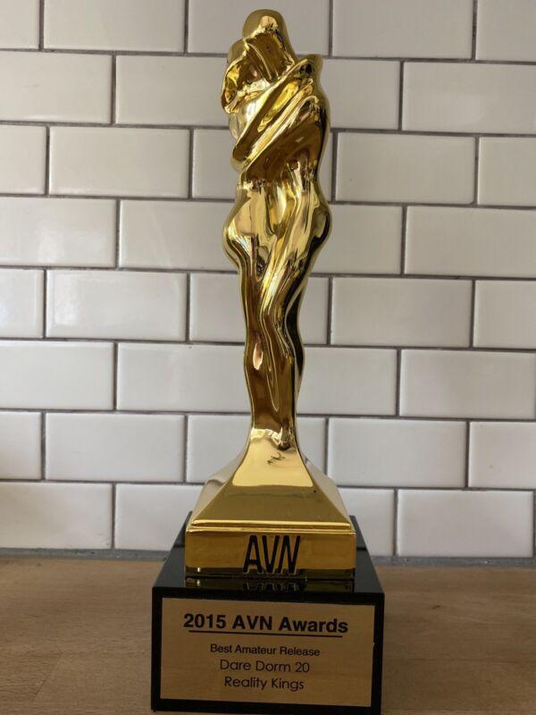 Rare 2015 AVN Award Trophy Best Amateur Release Dare Dorm 20 Reality Kings