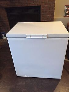 5 cubic foot Kenmore deep freeze -perfect working order & clean