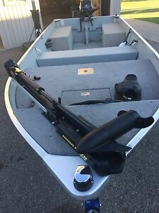 14ft  mirrocraft fishing boat