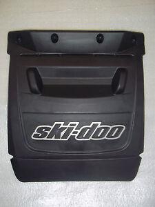 SKI-DOO REV CHASSIS SNOW FLAP 520000396