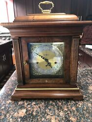 Vintage Howard Miller 1050-020 Triple Chime Mantel Clock 2 Jewels  EX CONDITION