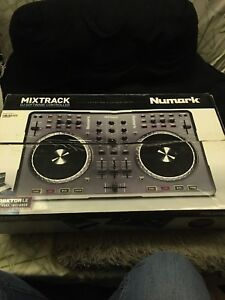 Mixtrack DJ controller from Numark (Négociable)