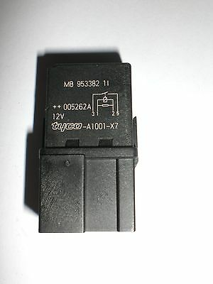 VOLVO S40 ESTATE CAR RELAY A1001X7 YEAR 2001-2004  VOLVO MB953382  TYCO A1001-X7
